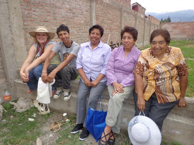 Bei Doña Doras (rechts) Geburtstag