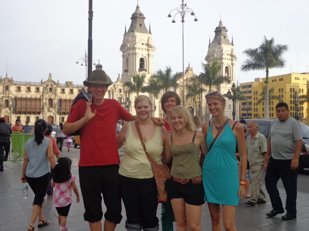 Mit anderen Freiwilligen in Lima, Peru.