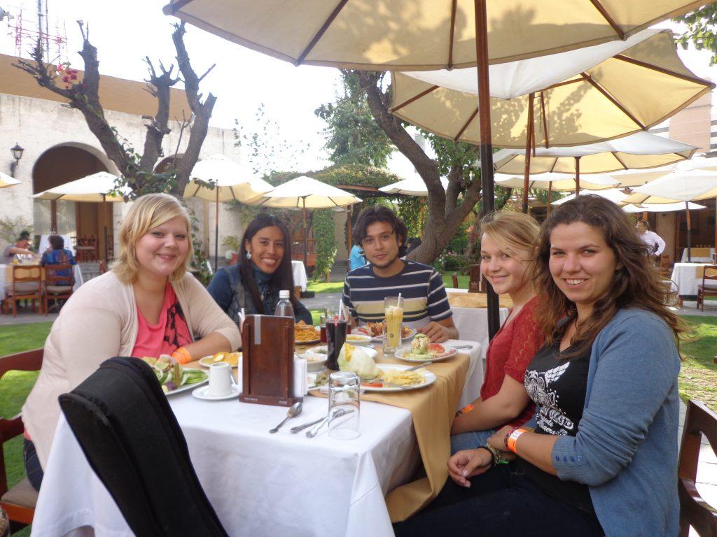 Mittagessen in Arequipa, Peru mit Juan und Sonia.