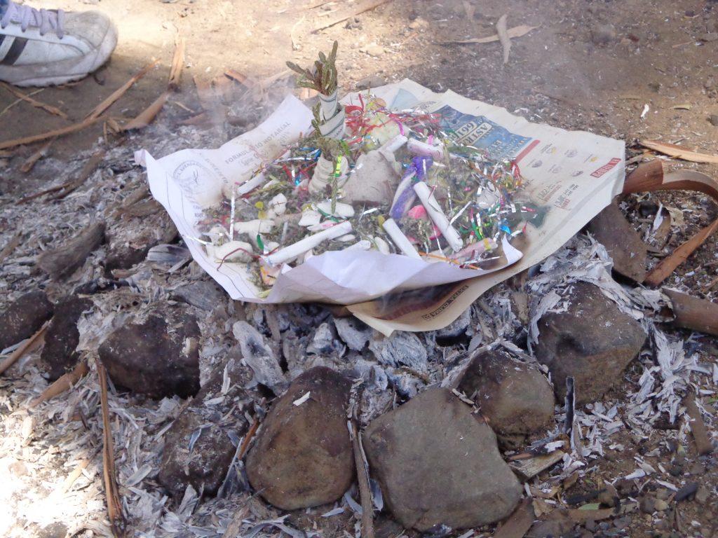 Die k´oa - Hier werden Sachen verbrannt, die Glück bringen sollen.