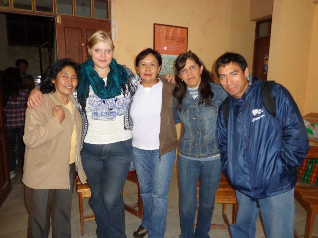 Elva, ich, Doris, Pilar und Padre Miguel