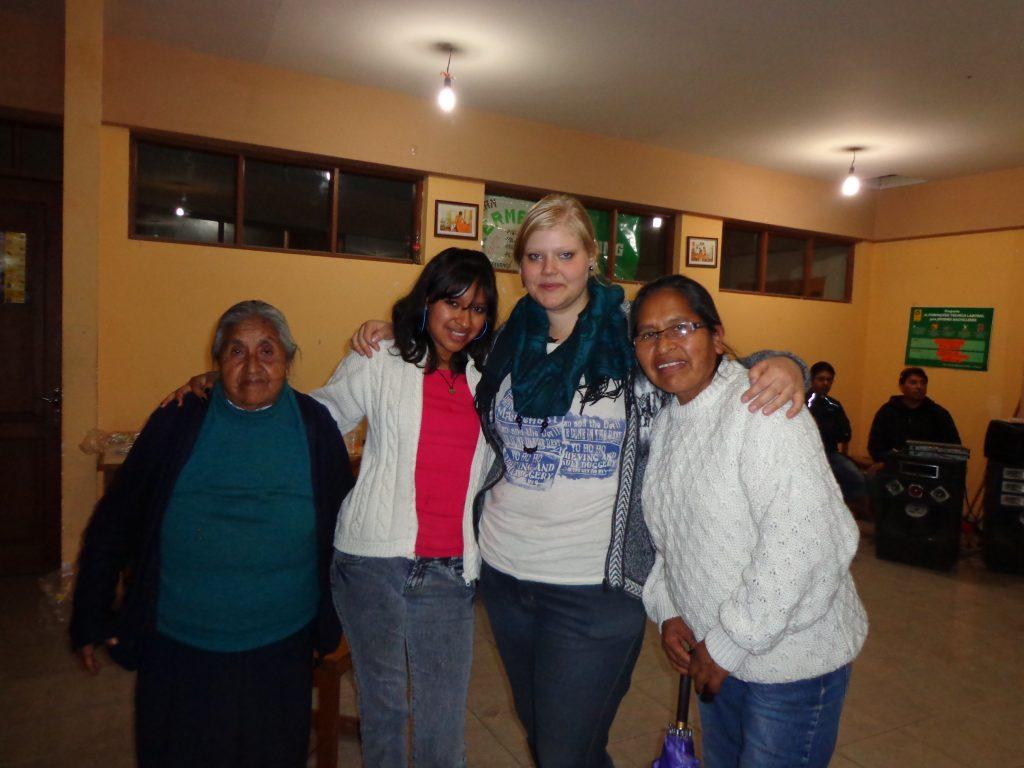 Do~na Isabel, Miriam, ich und Elva